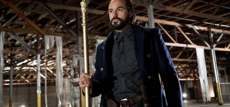 "Arrow -- ""Legends of Yesterday"" -- Image AR408B_0005b.jpg -- Pictured: Casper Crump as Vandal Savage -- Photo: Katie Yu/ The CW -- © 2015 The CW Network, LLC. All Rights Reserved."